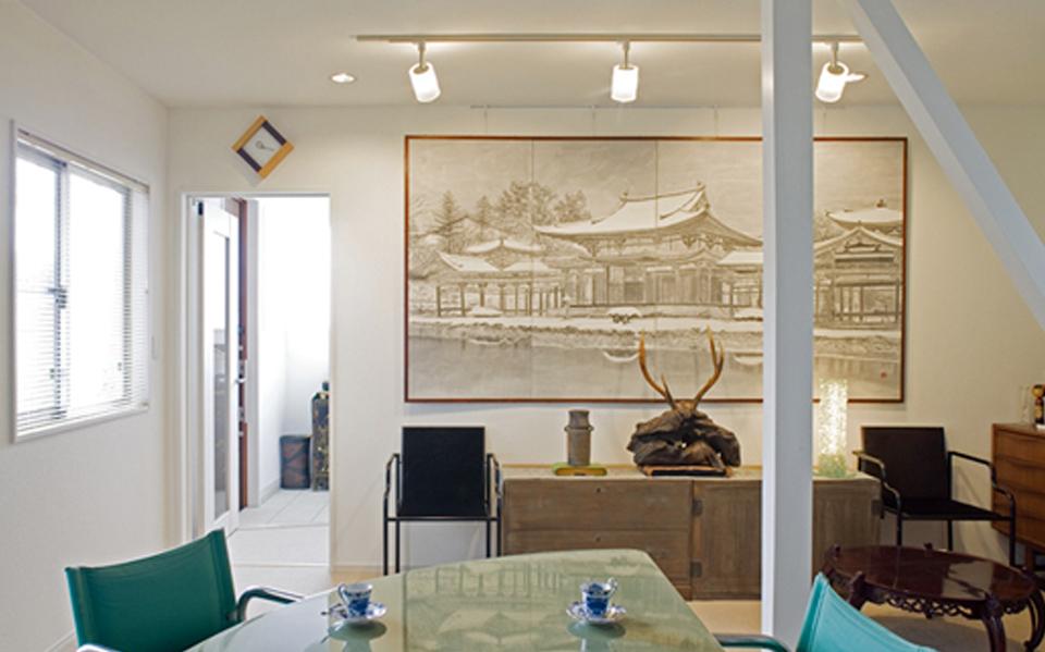 築50年の木造住宅がアートの映える2所帯住宅に変貌