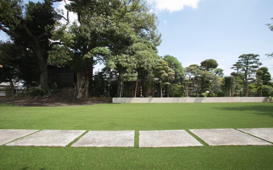 自然な仕上がりの庭